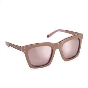 Henri Bendel sunglasses 🕶